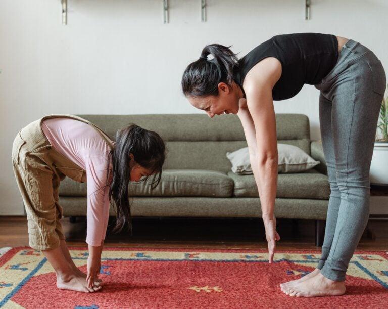 Familienzeit durch eine achtsame Erziehung schaffen