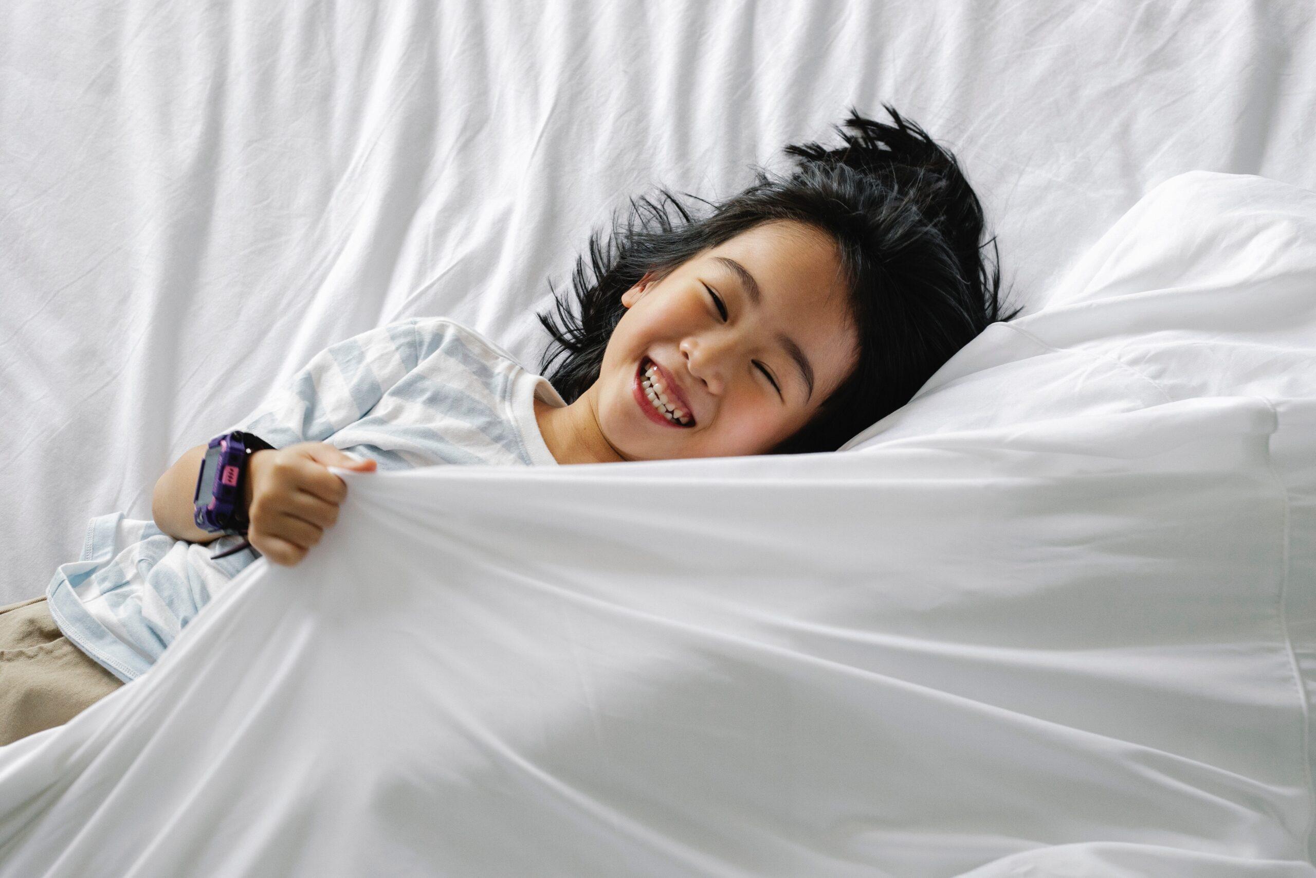 Mit diesen Tipps kannst du eine abendliche Schlafroutine mit deinem Kind aufbauen